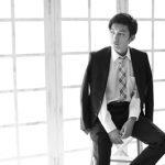 成人式男の子、スーツを着て、袴を着て、モデルのようにクールに、カッコよく撮影いたしました
