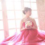 還暦のお祝いは、江東区写真館の赤いドレスで、華やかに撮影ができます